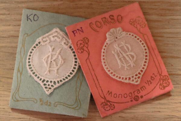 klein - monogrammen in verpakking